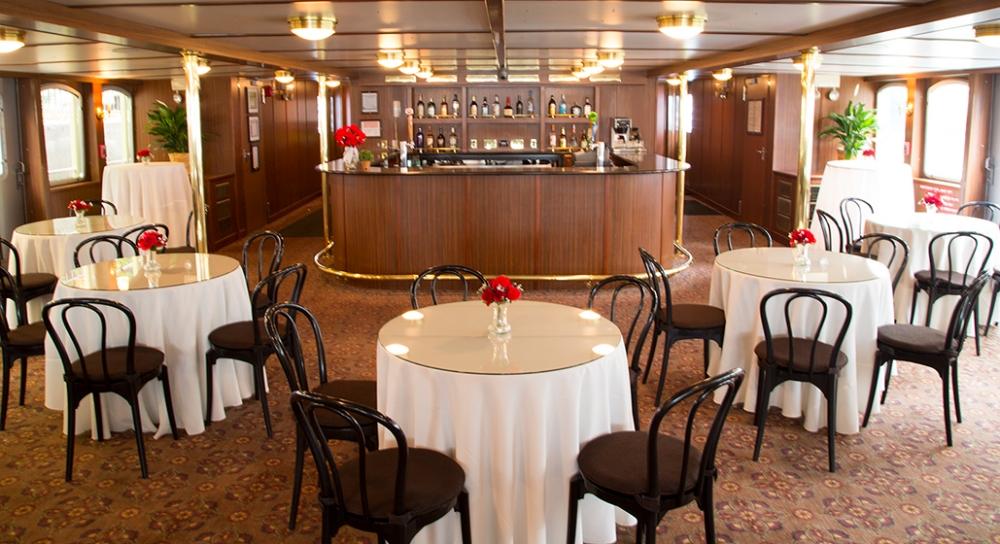 Leading Interior Bar 2014