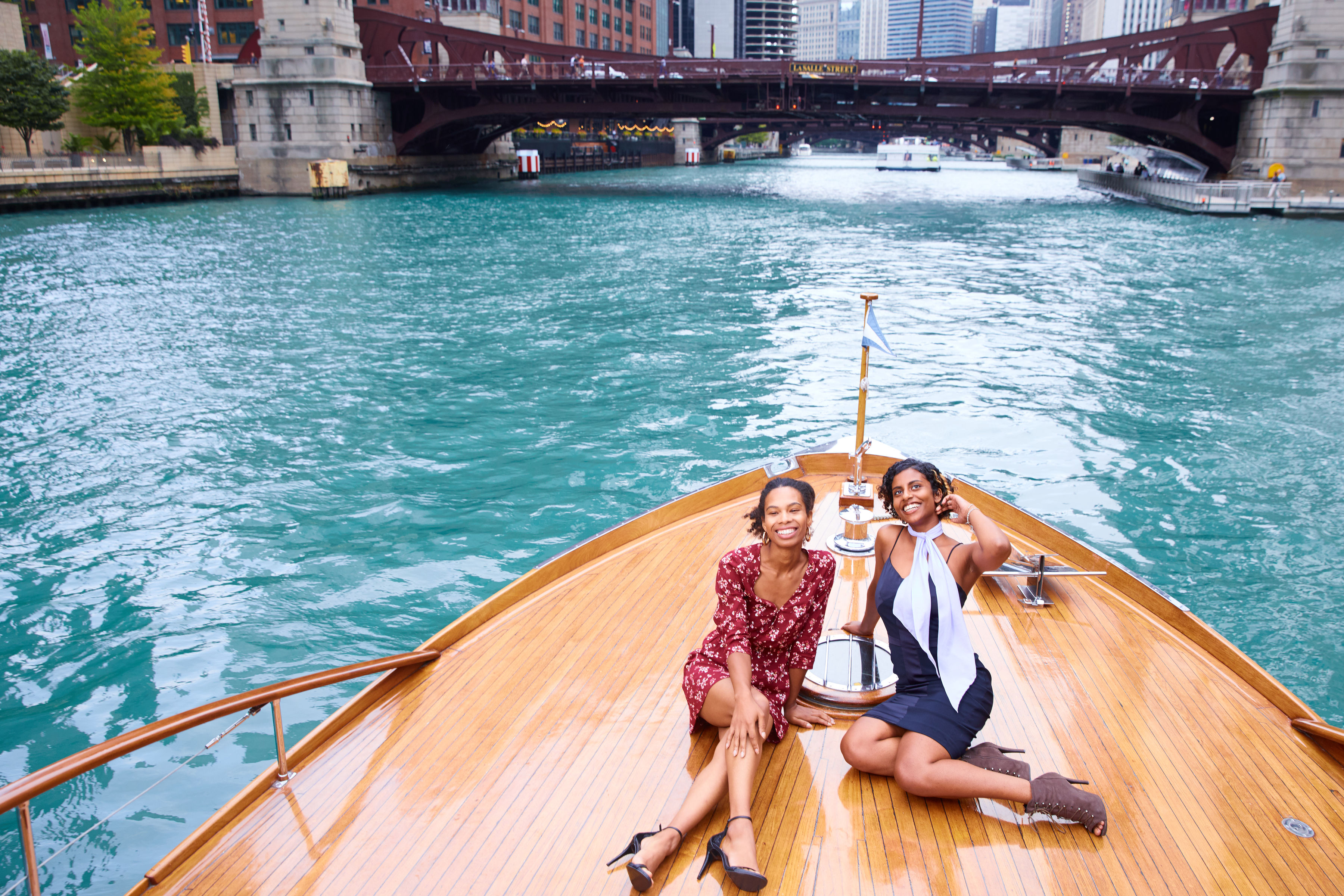 Fun and Relaxing Cruise Tour in Chicago